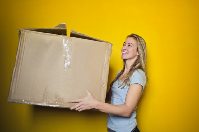 Kinds of moving boxes - corrugated boxes.