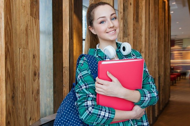 What To Bring To College- The Ultimate Packing Checklist For Girls
