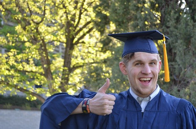 A college student graduating prior to discovering the reason why Florida graduates are moving to California