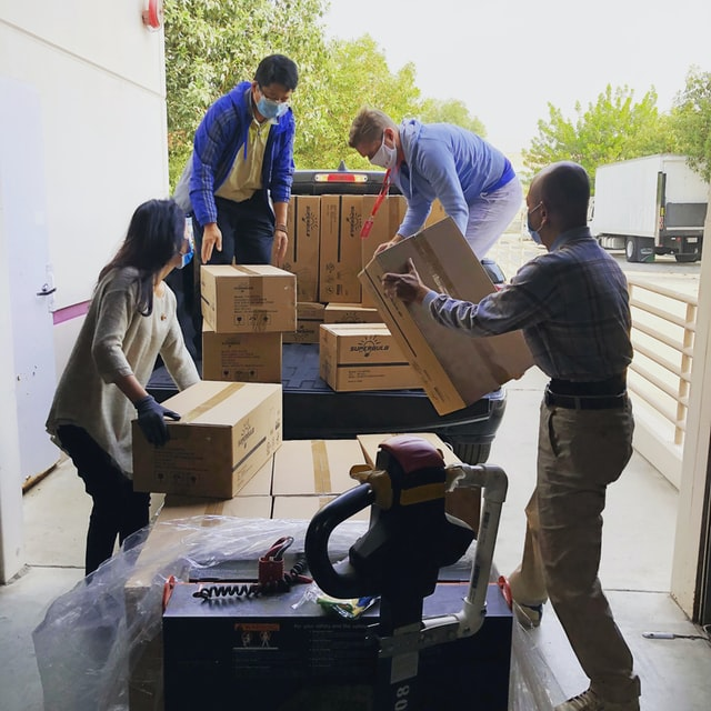 People packing boxes