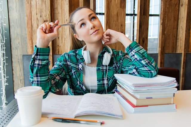 4 Key Differences Between Studying In The U.S. And Canada