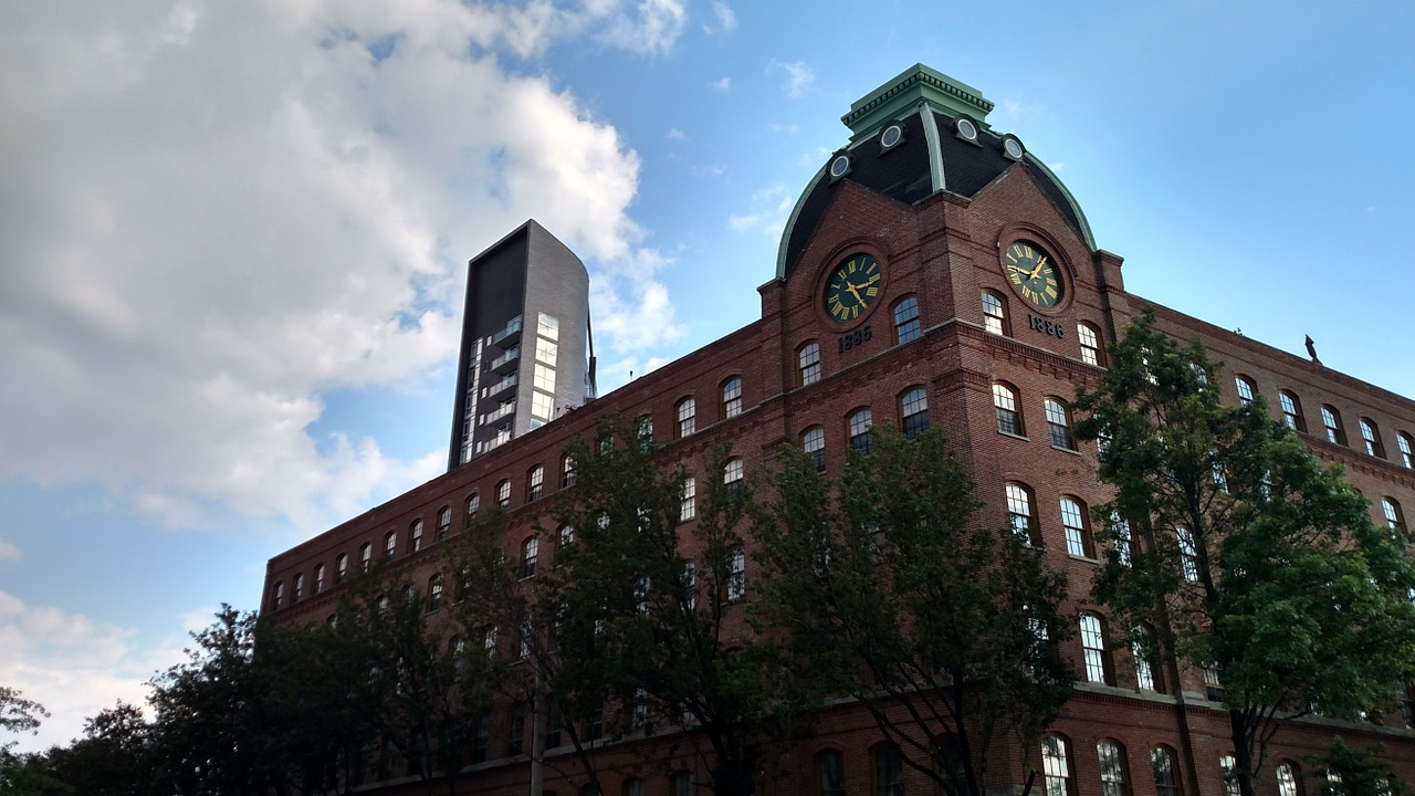 A building in Astoria, one of the most student-friendly neighborhoods in NYC.